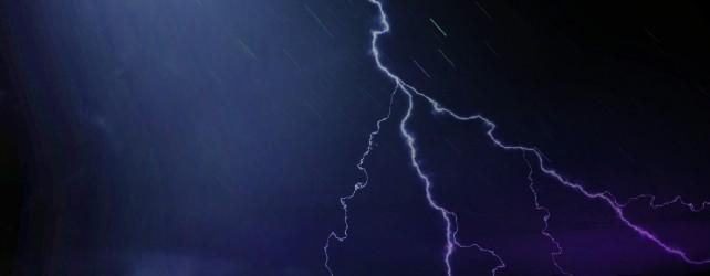 雷の夢の意味と見たときの5つの注意点