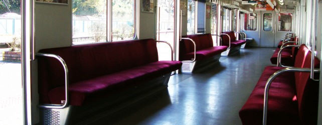 電車に乗る夢を見たときの5つの意味