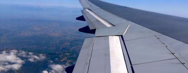 飛行機が落ちる夢を見たときの意味と考えたい5つの事